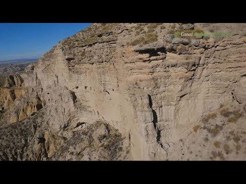 Cuevas del pueblo almohade de los Algarves y casas cueva, Gorafe. Granada