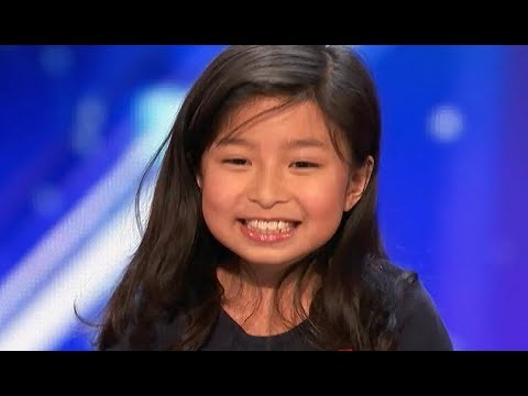 """9 Y.O. Little Girl STUNS EVERYONE With AMAZING """"My Heart Will Go On"""""""