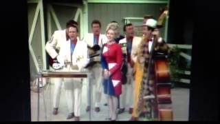 Dolly Parton on Porter Wagoner show 1969
