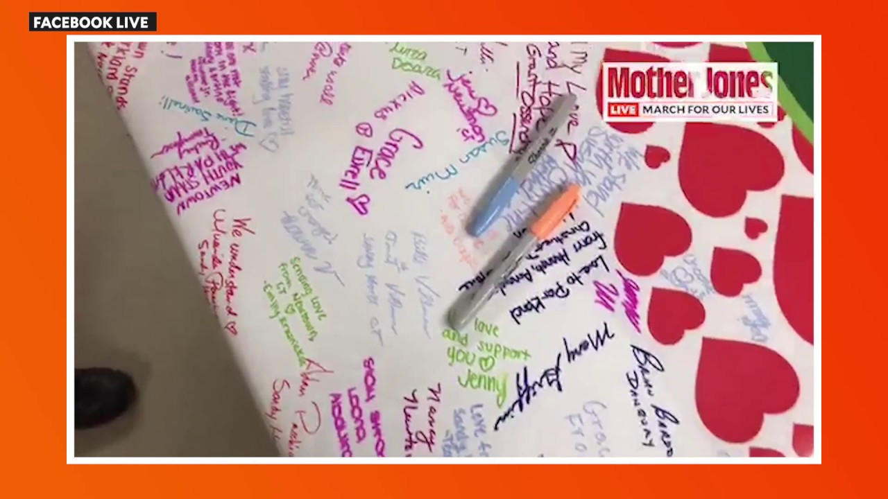 This Is the Signed Banner Newtown Students Gave to Parkland Survivors thumbnail