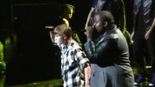 "Justin Bieber @ The NYC Jingle Ball- ""Eenie Meenie"" (HD) Live On December 10th, 2010"