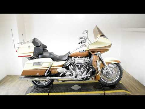 2011 Harley-Davidson CVO™ Road Glide® Ultra in Wauconda, Illinois - Video 1