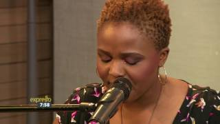 "Nomfundo Xaluva performs ""Bayathetha"" LIVE!"
