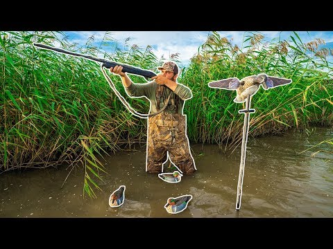 SOLO Public Marsh DUCK HUNTING Challenge!!! (I Limited Out!)
