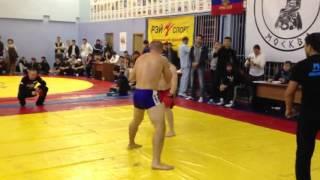 Dagestani (Lezgin) red vs Russian fighter blue. Pankration.Knockout