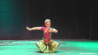 Танец в стиле Бхарат Натьям. Сахаджа йога - Bharat Natyam dance. Sahaja yoga