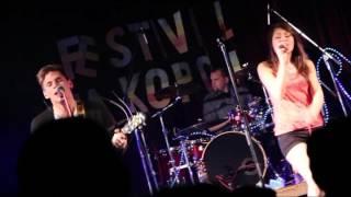 Video Bags - Ze země mě sbíráš (live Milevsko)