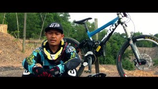 preview picture of video 'indonesia east borneo balikpapan freeride'