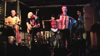 Dublin Down - Maidrin Rua/I'll Tell Me Ma (Traditional) @ The Toucan