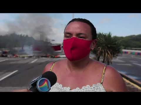 Protesto: Ambulantes interditam vias e pedem inclusão no auxílio municipal de Olinda