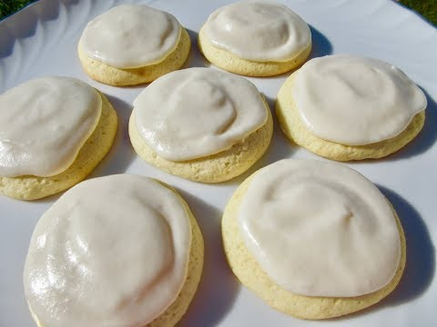 FROSTED SUGAR COOKIES | DIY SOFT SUGAR COOKIES With FROSTING | Demonstration & Recipe