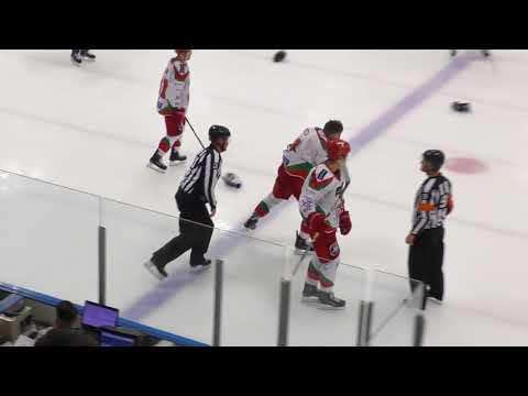 Emerson Hrynyk vs. Josh Batch