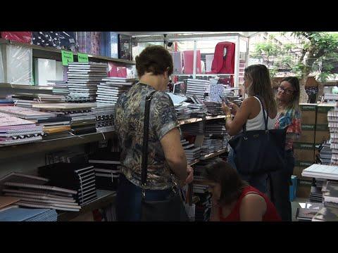 Material escolar: procura movimenta as papelarias de Friburgo
