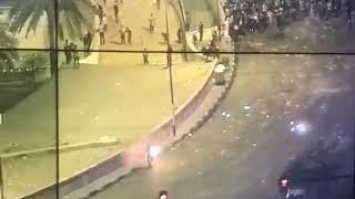 مولوتوف على شرطي عراقي في ساحة التحرير2019 تحميل MP3