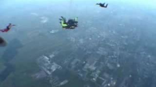 preview picture of video 'Mój tysięczny skok ze spadochronem / My 1000th Skydive'