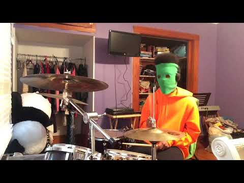 Major Popper Low Budget Hero plays drums