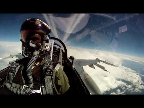 F-16's Are Even More Awesome From The Inside
