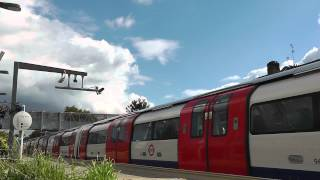 preview picture of video 'Trains at West Hampstead 18/09/13'