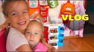 Детский ВЛОГ: Наш день,  Настя - блогер, Прогулка, Купание и т.д.