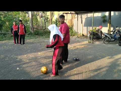 Macam - Macam Dribbling dalam Sepak Bola - Kelompok 1