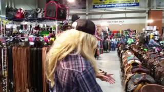 THE HORSE SCREAMER Shopping For A Barrel Racing Saddle