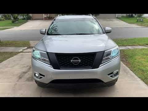 Nissan Pathfinder on 22's semi-blackout