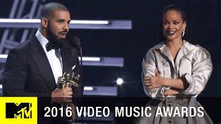Gambar cover Drake Presents Rihanna w/ Vanguard Award | 2016 Video Music Awards | MTV