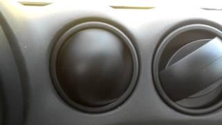 Смотреть онлайн Авто прикол: вентилятор в машине сошел с ума