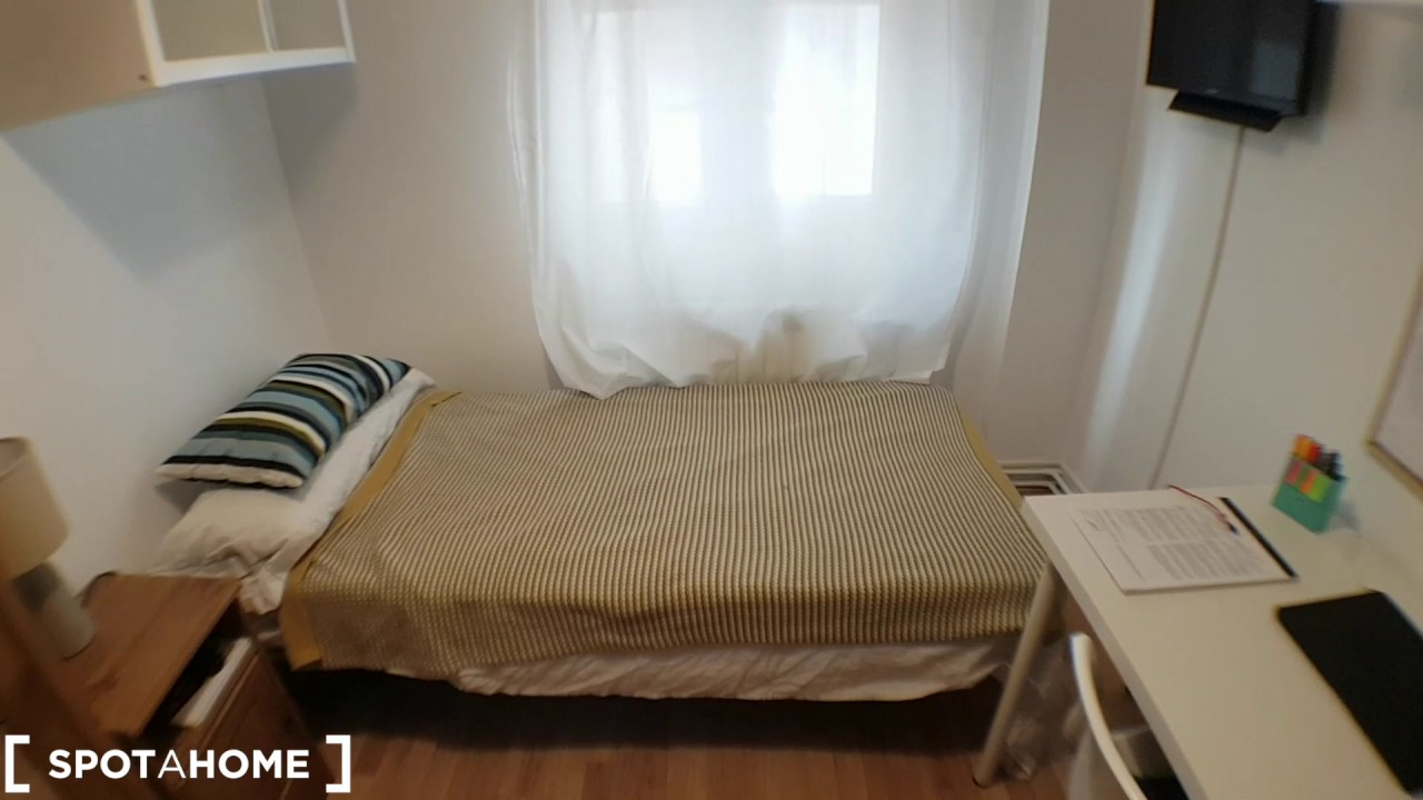 Rooms for rent in 5-bedroom apartment with AC in Alcalá de Henares