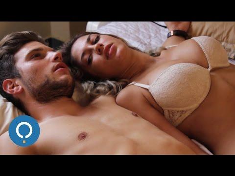 Piccola sorella e fratello impegnati in video porno