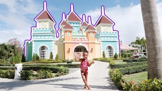 SAMIA GOES TO HUGE KIDS CASTLE TO FIND BROTHER