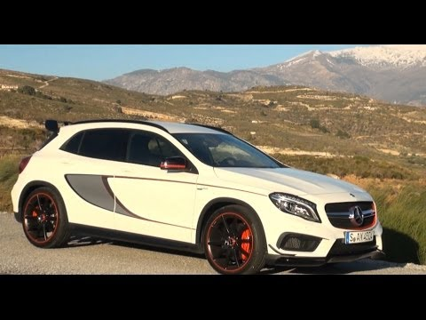 2015 Mercedes GLA 45 AMG Edition 1 test review driving fun - Autogefühl