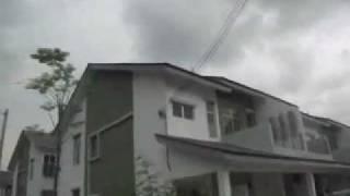 preview picture of video 'Rumah Townhouse Corner Lot Di Taman Tasik Puchong'