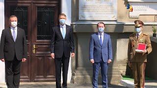 """Institutul """"Cantacuzino"""", decorat de preşedintele Iohannis: Reper al cercetării medicale româneşti"""