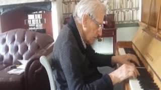 94-Year-Old WWII Veteran with Dementia Plays Wife