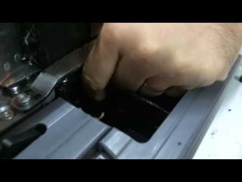 EB135 - Cambio de cola y purgado del rodillo encolador