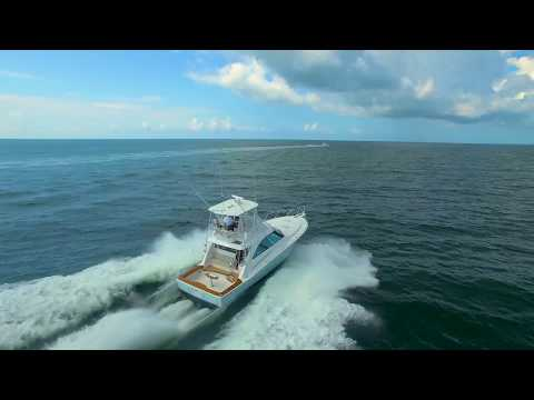 Hatteras GT45 Express Bridge video