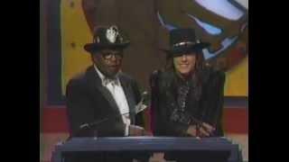 Eric Clapton recieves MVP Guitar Award- intro by Bo Diddley and Richie Sambora