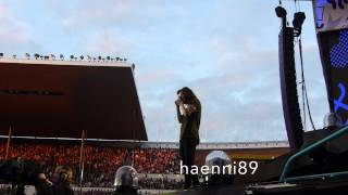One Direction, Harry Styles taking photos of the crowd (faninteraction), Helsinki Finland HD