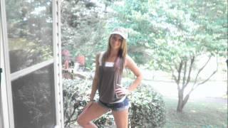 Country Girl Shake It - Luke Bryan