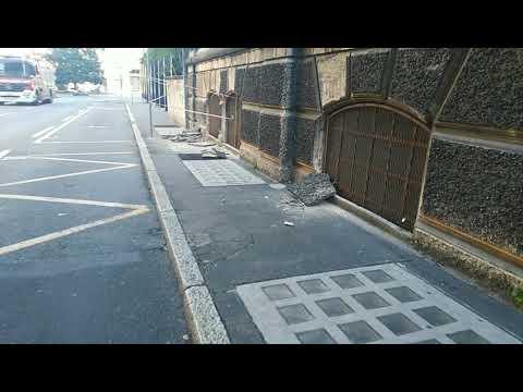 Crollo calcinacci dal Dopolavoro Franco Tosi a Legnano