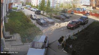 """Дворовой """"бухарик"""" угоняет мотоцикл в Сургуте"""