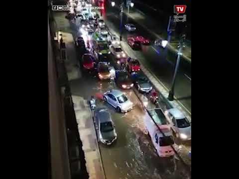 أمطار تفاجئ دمياط عدة دقائق وتغرق الشوارع