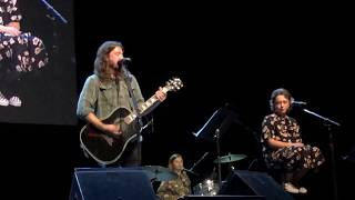 Dave Grohl and Daughters Violet and Harper sing The Sky is a Neighborhood
