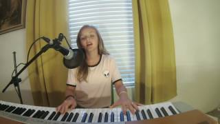 My Favorite Things - Evie Clair (Oscar Hammerstein II, Richard Rodgers Cover)