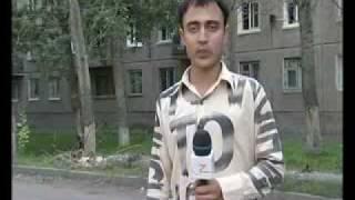 Смотреть онлайн Обкуренный журналист отжигает снимая репортаж