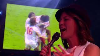 Fay Claassen Zingt Voor Johan Neeskens Het Nummer The Way We Were (Barbra Streisand)