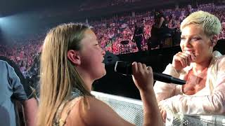 Victoria Anthony Singing to Pink at Rogers Arena Vancouver #VicAndPink