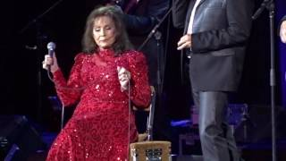 Loretta Lynn Where No One Stands Alone