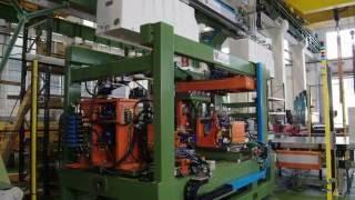 Línea de punzonado por medio de troqueles y transfer de ventosas para procesar cubas de frigoríficos